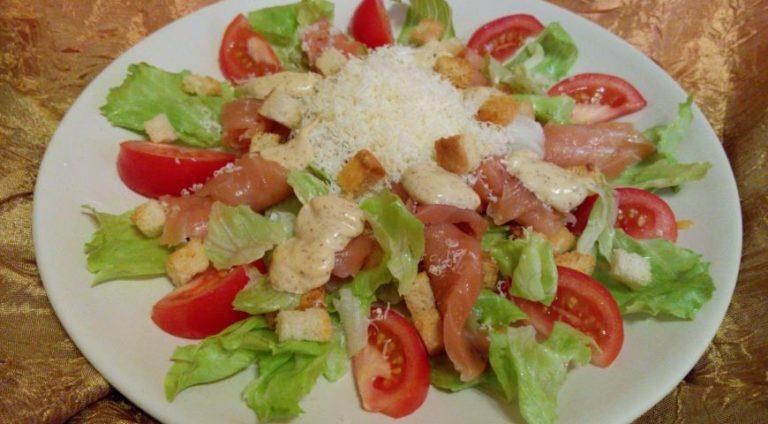 Рецепт салата цезарь с семгой пошагово с фото