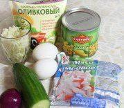 krabovyj-salat-s-kukuruzoj-i-risom