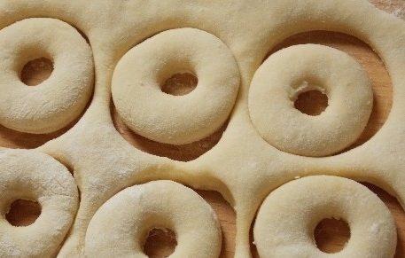 Вкусные пончики — 10 лучших и проверенных рецептов с фото и видео этап 32