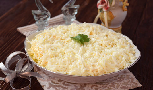 Салат Невеста: 7 классических рецептов салата с курицей этап 25
