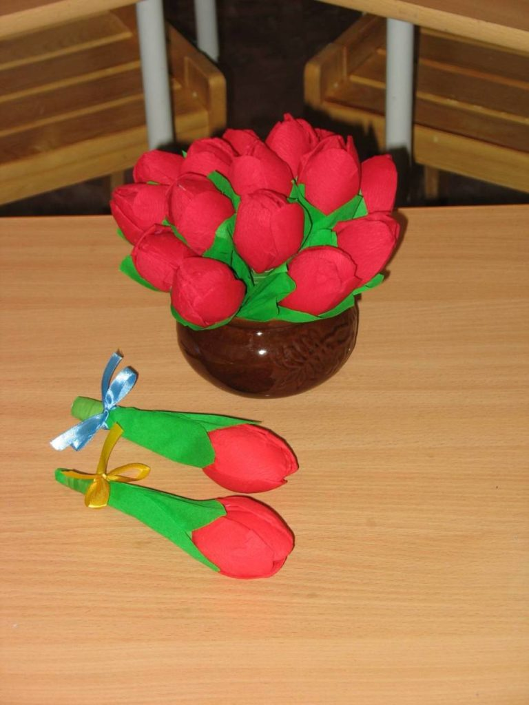 Тюльпаны из салфеток своими руками пошаговое фото 5