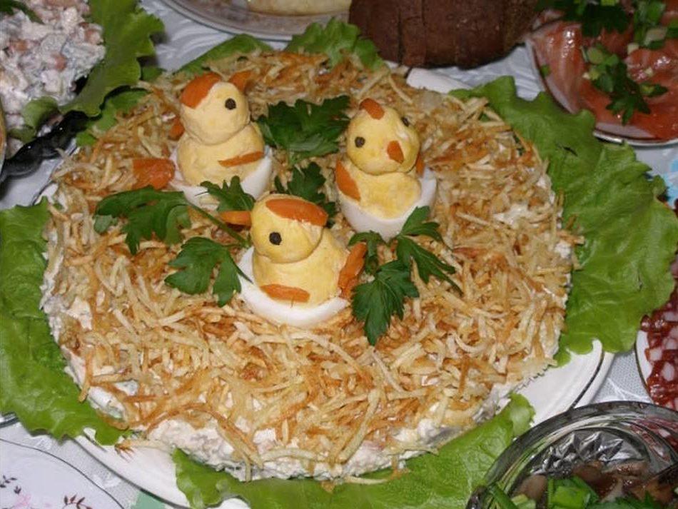 Красивые салаты на новый год  2018перепелиное гнездо