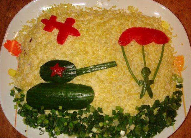 Салаты на 23 февраля: простые и недорогие рецепты праздничных салатиков этап 74