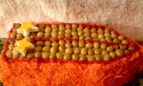 Салаты на 23 февраля: простые и недорогие рецепты праздничных салатиков этап 60