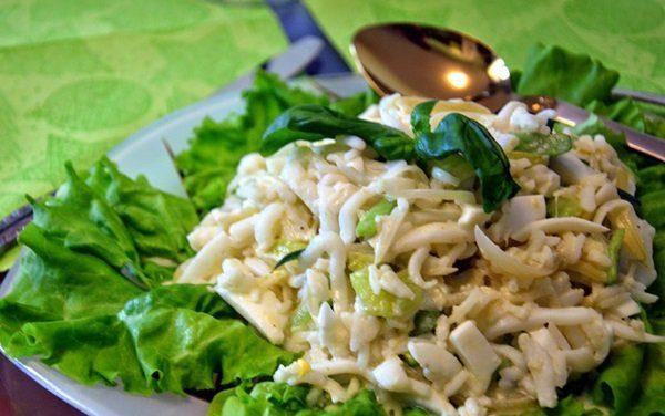 Салаты на 23 февраля: простые и недорогие рецепты праздничных салатиков этап 32