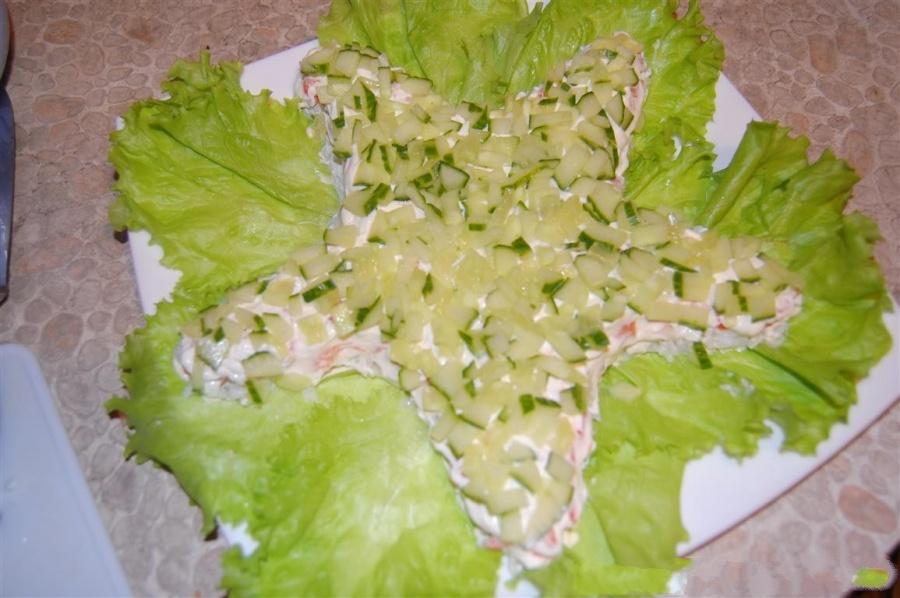 Салаты на 23 февраля: простые и недорогие рецепты праздничных салатиков этап 57