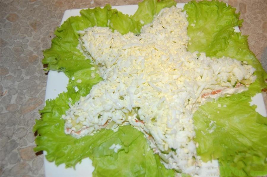 Салаты на 23 февраля: простые и недорогие рецепты праздничных салатиков этап 58
