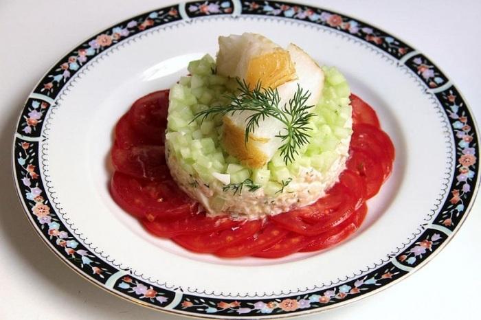 Салаты на 23 февраля: простые и недорогие рецепты праздничных салатиков этап 52