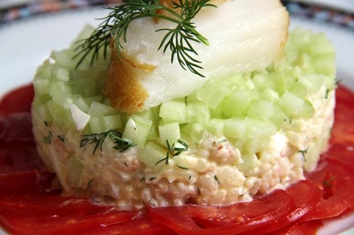 Салаты на 23 февраля: простые и недорогие рецепты праздничных салатиков этап 47