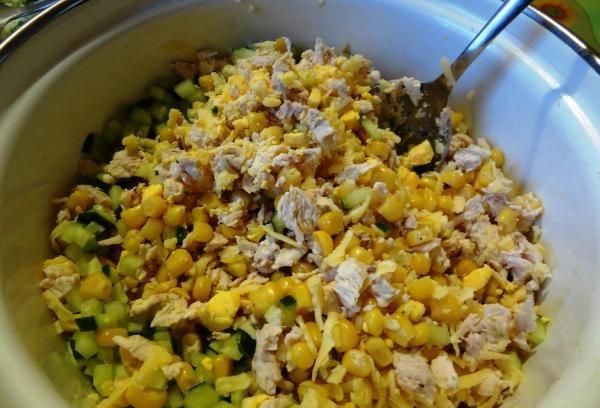 Салаты на 23 февраля: простые и недорогие рецепты праздничных салатиков этап 8