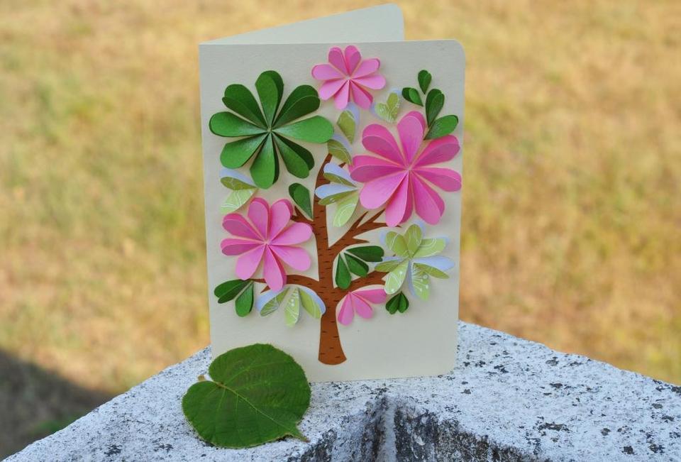 Поздравительные открытки из бумаги, про
