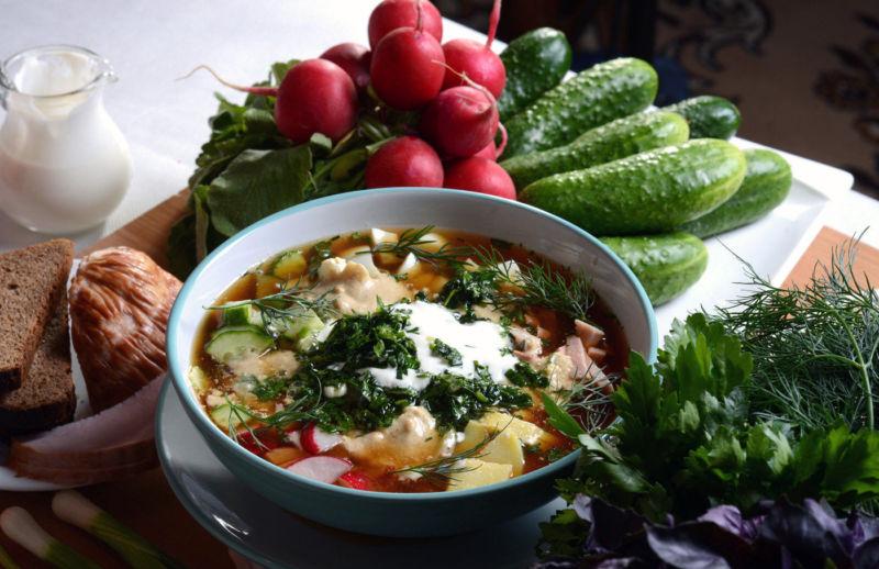 Окрошка на квасе с колбасой — 4 простых рецепта самой вкусной окрошки