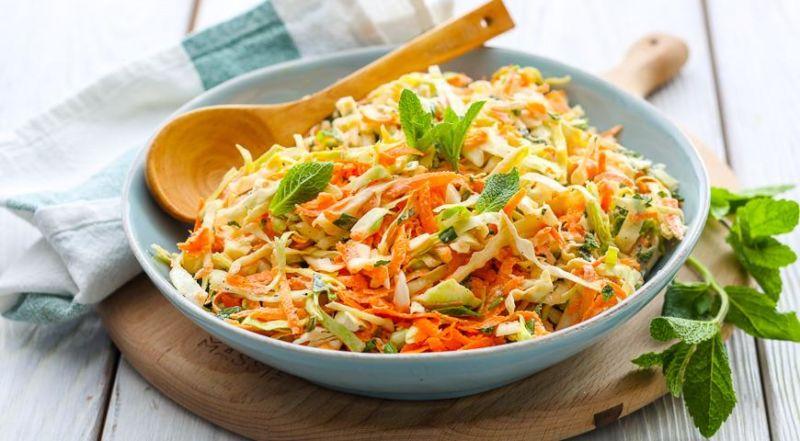 Салаты из свежей капусты — 9 очень вкусных рецептов