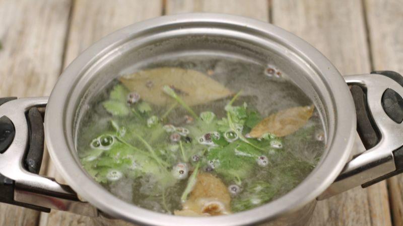 Огурцы соленые на зиму — 6 рецептов хрустящих огурцов в банках этап 24