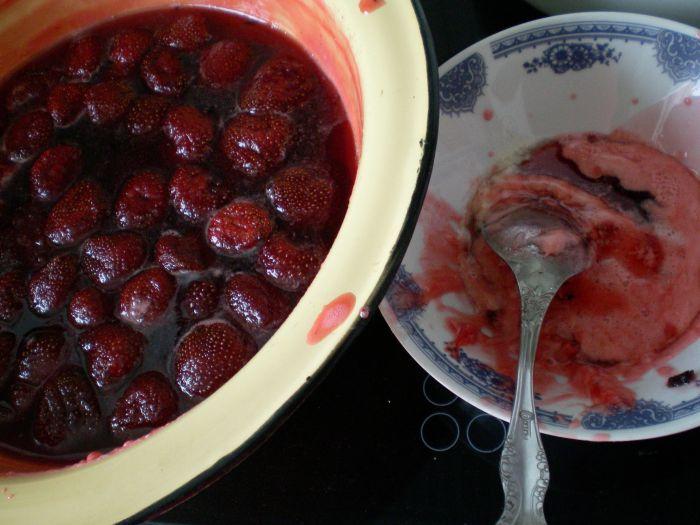 Как варить варенье из виктории, чтобы ягоды были целыми? этап 13