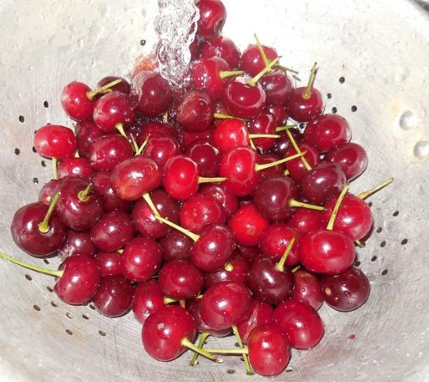 Варенье из вишни без косточек на зиму этап 3