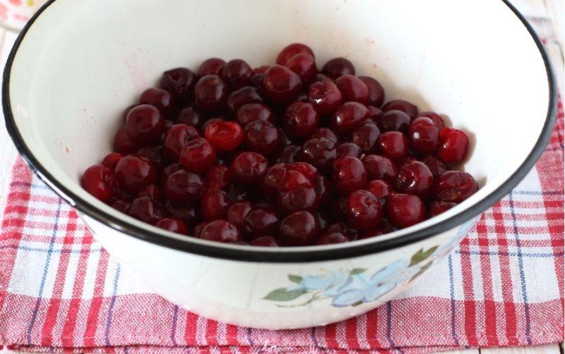 Варенье из вишни без косточек на зиму этап 37