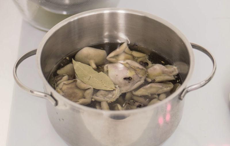 Маринованные маслята на зиму. Топ 12 самых вкусных и простых рецептов этап 31