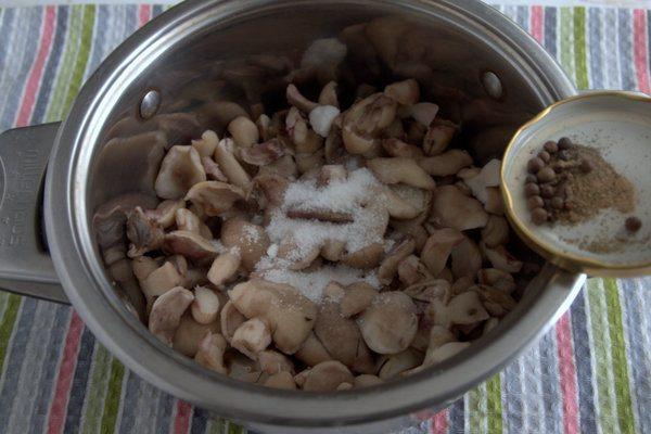 Маринованные маслята на зиму. Топ 12 самых вкусных и простых рецептов этап 19