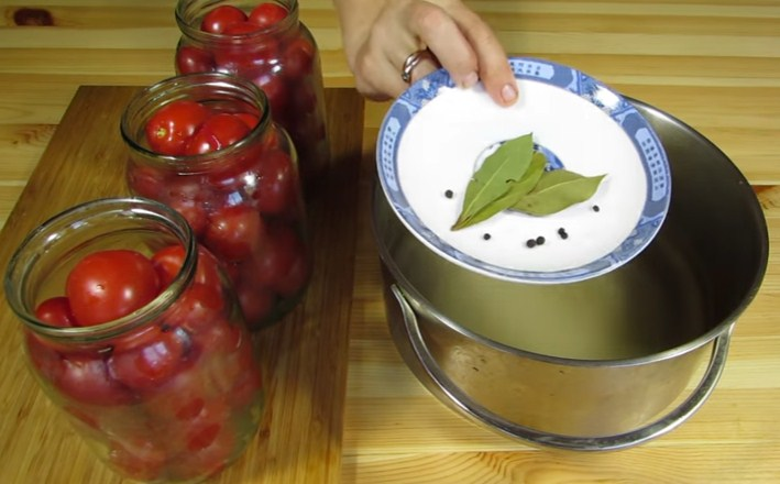 Помидоры маринованные на зиму: 7 очень вкусных рецептов сладких маринованных помидор этап 9
