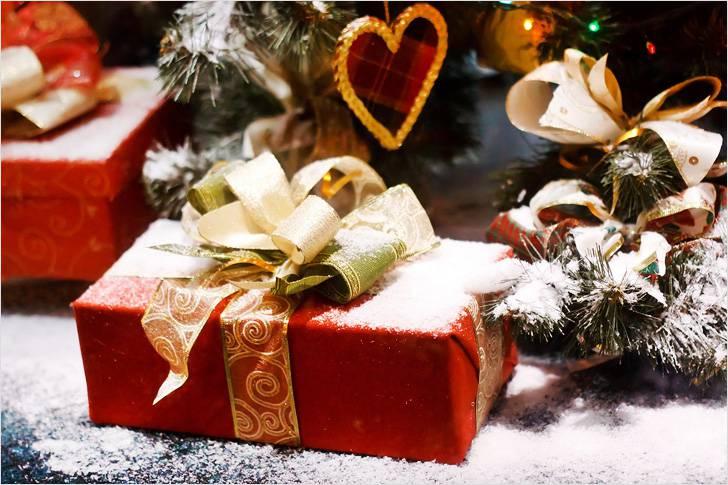 Что подарить на Новый год 2020? Идеи новогодних подарков