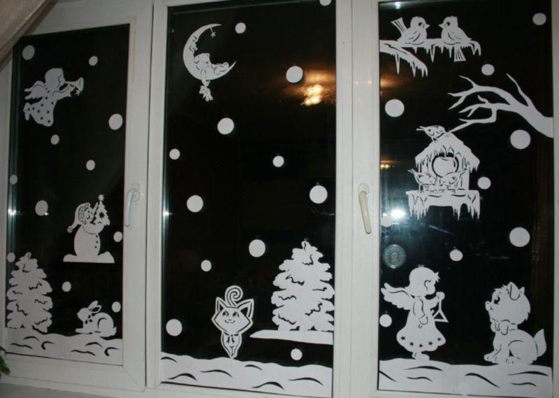 Украшения на окна из бумаги к Новому году 2021. Трафареты и шаблоны новогодних украшений этап 10