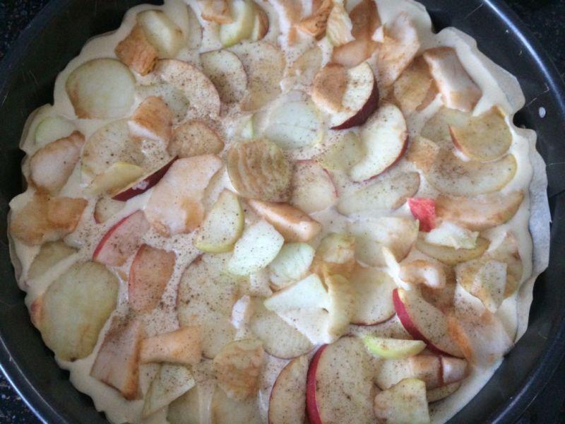 Пышная шарлотка с яблоками — 6 рецептов приготовления шарлотки в духовке этап 8