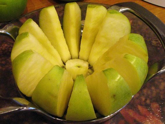 Пышная шарлотка с яблоками — 6 рецептов приготовления шарлотки в духовке этап 15