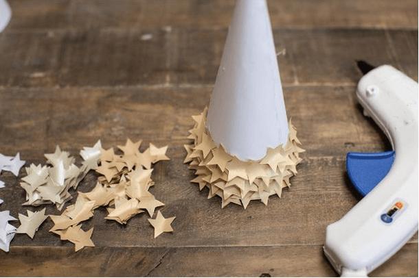 Объемная елка из бумаги — схемы и трафареты для создания елки своими руками этап 32