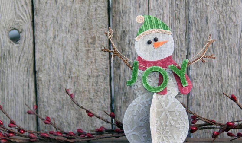 Снеговик своими руками на Новый год из подручных материалов этап 90