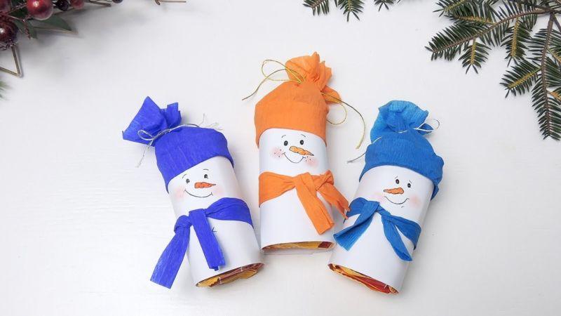 Снеговик своими руками на Новый год из подручных материалов этап 85