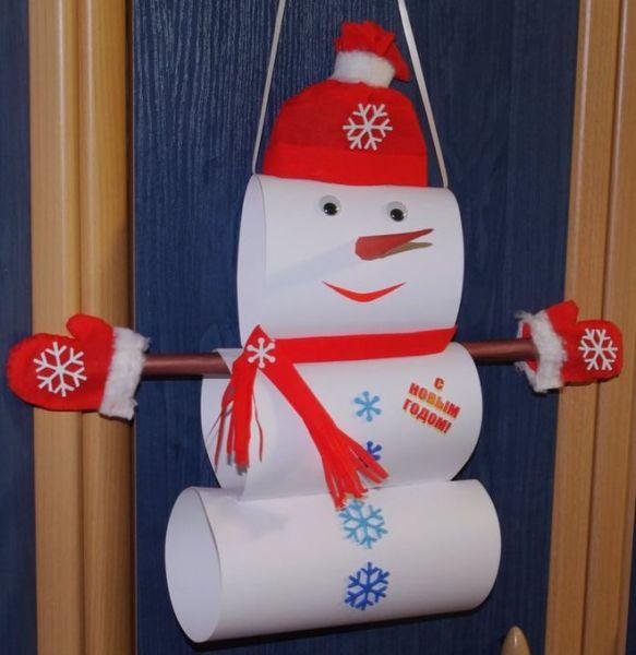 Снеговик своими руками на Новый год из подручных материалов этап 84