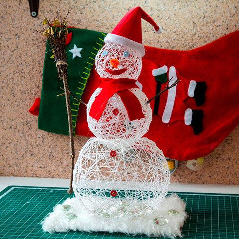 Снеговик своими руками на Новый год из подручных материалов этап 177