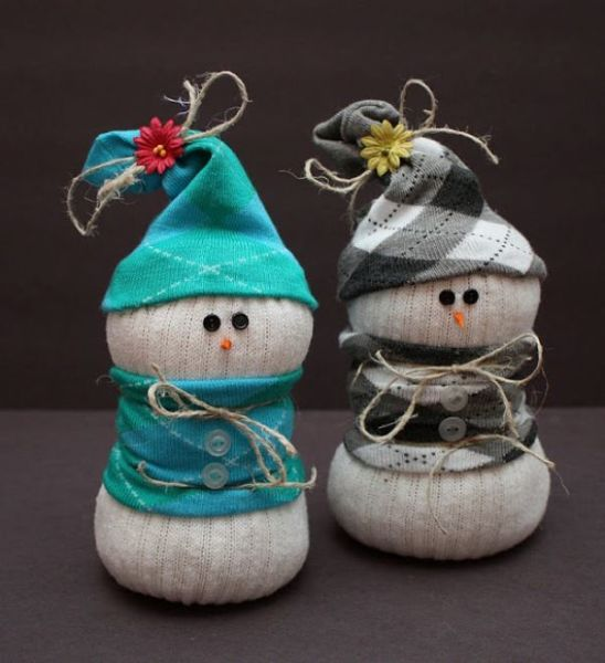 Снеговик своими руками на Новый год из подручных материалов этап 170