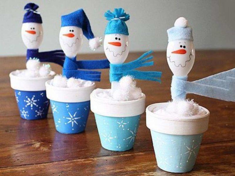 Снеговик своими руками на Новый год из подручных материалов этап 172