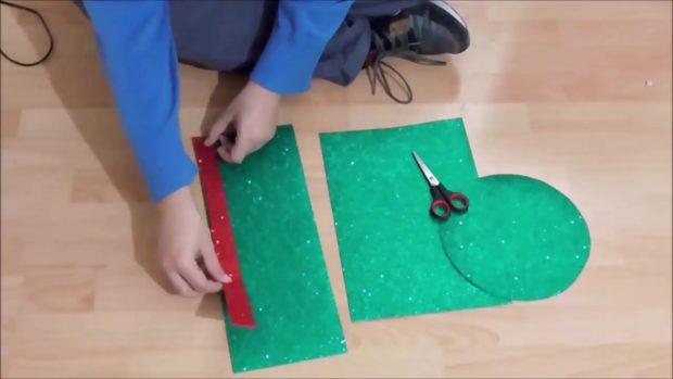 Снеговик своими руками на Новый год из подручных материалов этап 15