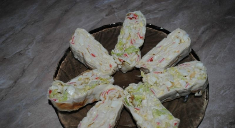 Рулеты из лаваша с разными начинками — 10 простых и вкусных рецептов на праздничный стол этап 43