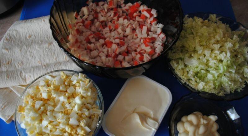 Рулеты из лаваша с разными начинками — 10 простых и вкусных рецептов на праздничный стол этап 40
