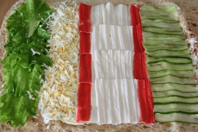 Рулеты из лаваша с разными начинками — 10 простых и вкусных рецептов на праздничный стол этап 5