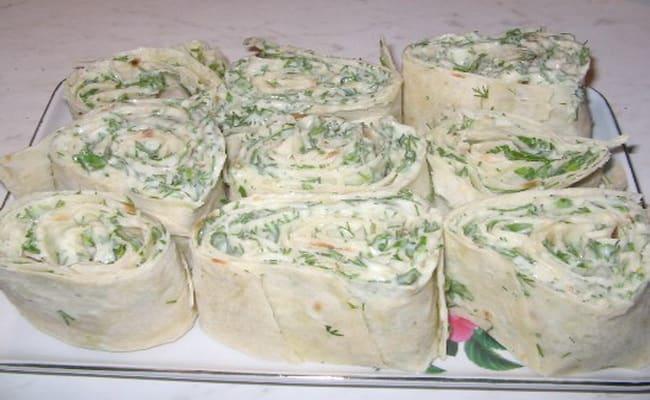 Рулеты из лаваша с разными начинками — 10 простых и вкусных рецептов на праздничный стол этап 63