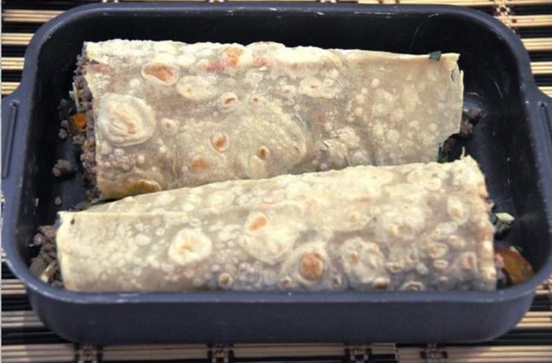 Рулеты из лаваша с разными начинками — 10 простых и вкусных рецептов на праздничный стол этап 52