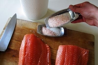 Слабосоленая семга — 7 рецептов соления семги в домашних условиях этап 4