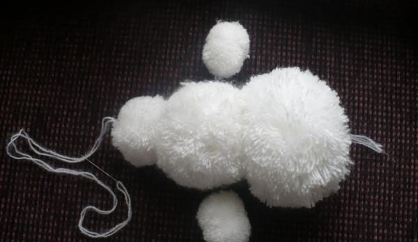 Снеговик своими руками на Новый год из подручных материалов этап 145