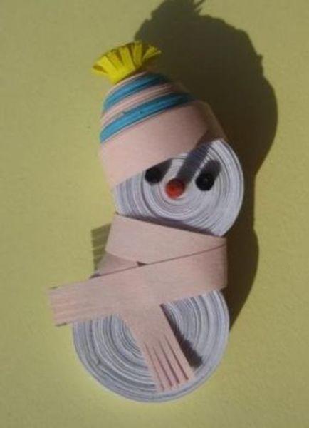 Снеговик своими руками на Новый год из подручных материалов этап 75