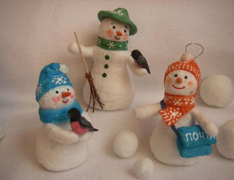 Снеговик своими руками на Новый год из подручных материалов этап 111