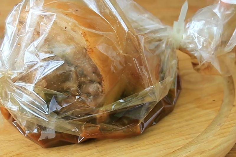 Свиная рулька запеченная в духовке — 7 рецептов приготовления этап 21