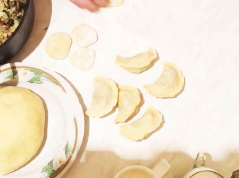 Вареники с картошкой: 6 пошаговых рецептов для приготовления дома этап 34