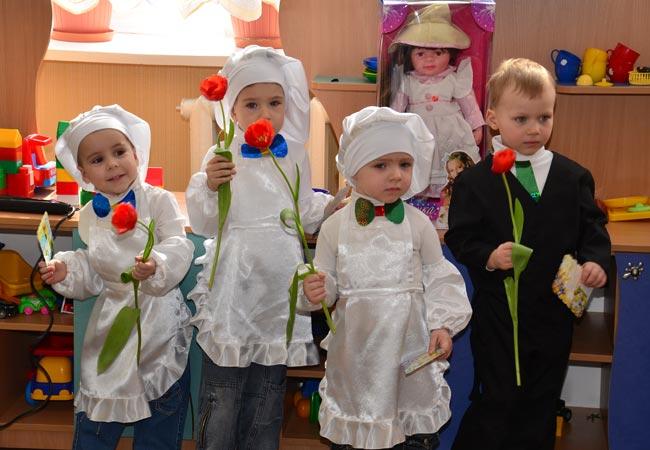 Сценарии на 8 марта в детском саду: 5 интересных утренников для детей этап 3