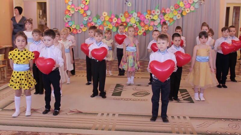 Сценарии на 8 марта в детском саду: 5 интересных утренников для детей этап 5