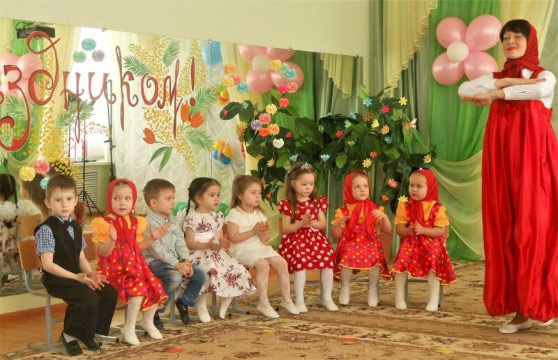 Сценарии на 8 марта в детском саду: 5 интересных утренников для детей этап 6